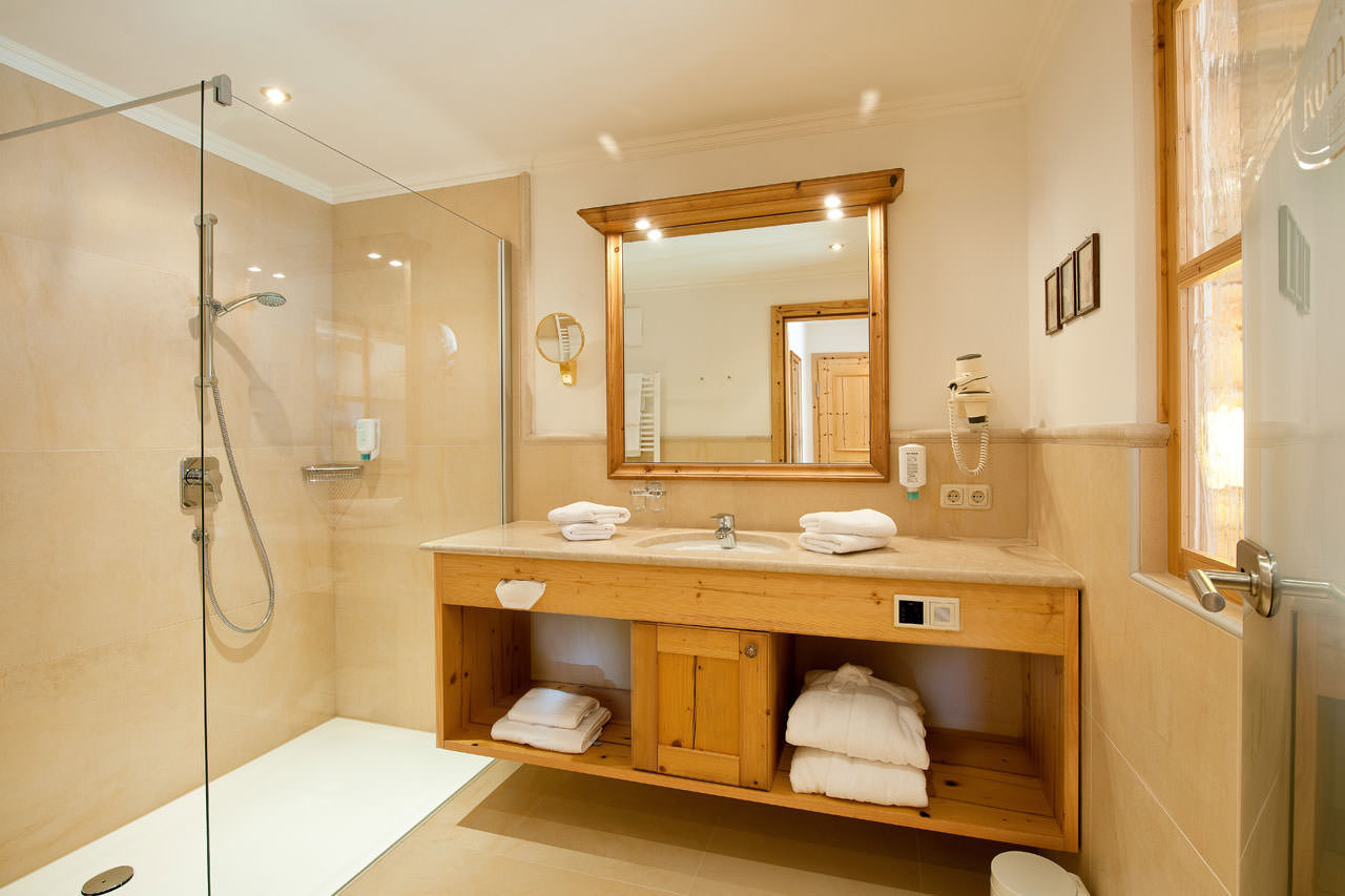 doppelzimmer 4 landhotel r merhof im salzburger land. Black Bedroom Furniture Sets. Home Design Ideas